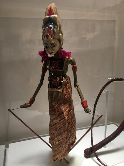 変コレクション「インドネシアの人形」